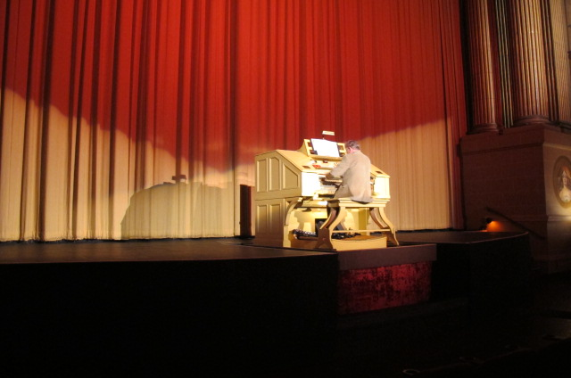 Organ player at Castro Theatre